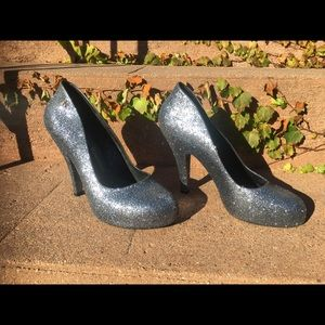 """Silver Size 10 Vivienne Westwood 3"""" Pumps"""